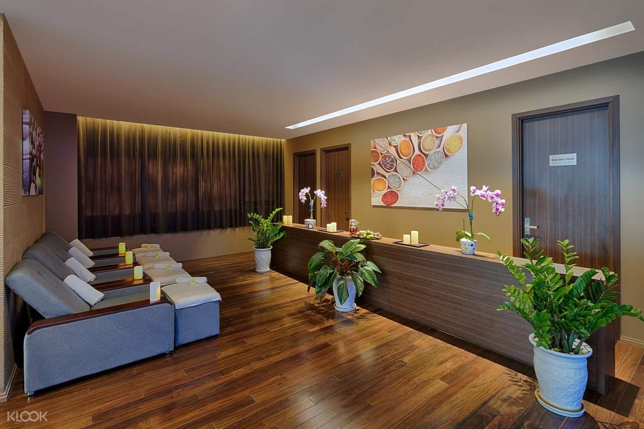lobby of belle maison spa da nang